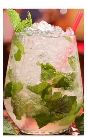 cocktail mojito pub